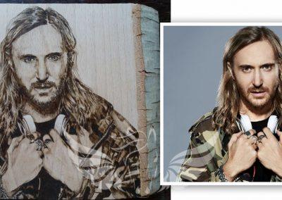 David Guetta portréja - kézzel készült pirográfia, tömör bükk fa, A4-es méretben